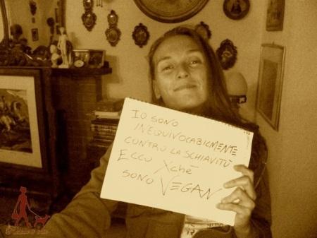 "Estelo ""I unequivocally reject slavery, that's why I'm vegan"""